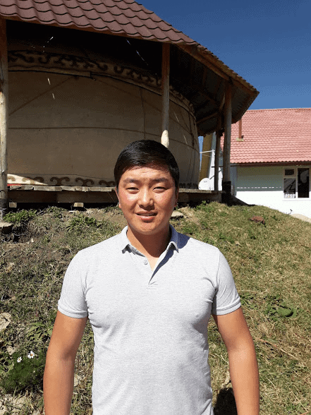 Guide, Altynbek Dadakeev