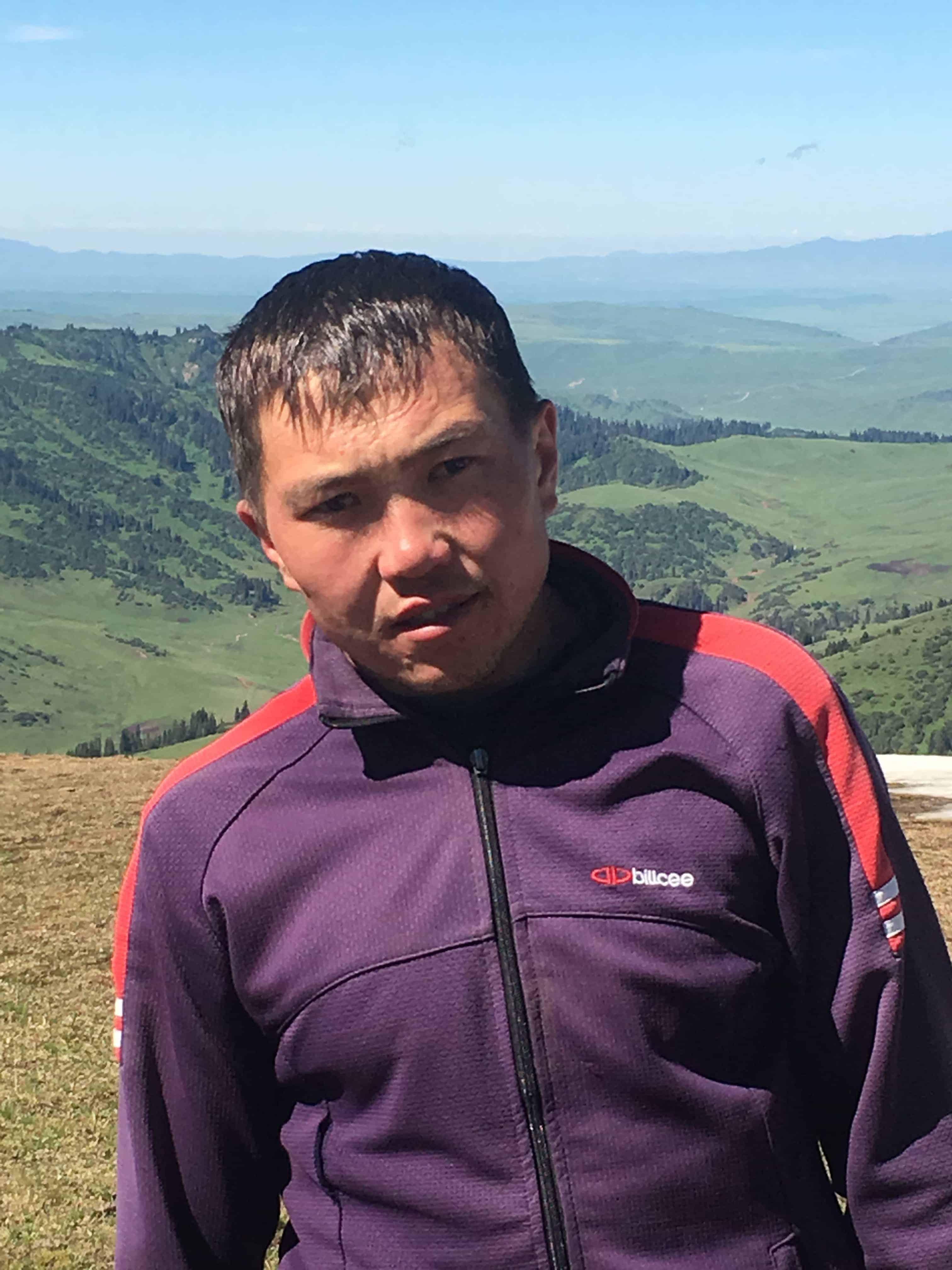 Guide, Urmat Sultanbekov
